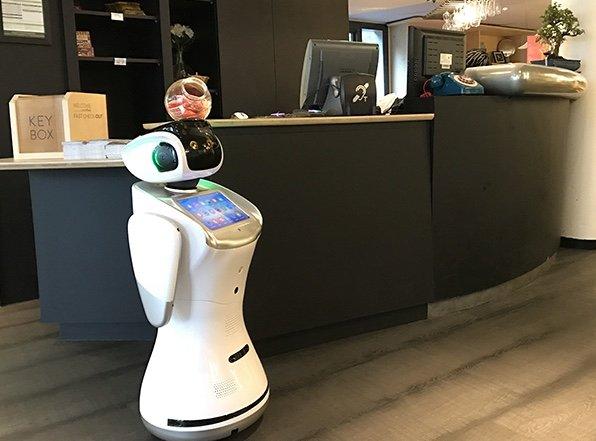 Sanbot-Robot-Hospitality